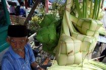 Revitalisasi trotoar, kawasan Suryakencana Bogor mulai ditata