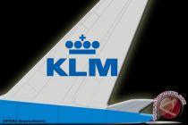 KLM dikecam karena suruh ibu menutupi tubuh saat menyusui bayinya