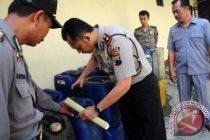 Penimbun 98,87 ton BBM diciduk polisi