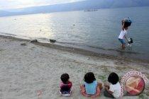 Rusak parah, akademisi sarankan capres bahas Danau Toba