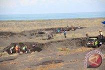 Dua penambang pasir ilegal tewas tertimbun longsor