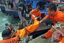 Potongan tubuh dievakuasi di perairan Sampang