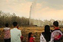 Sumur bor di Aceh semburkan lumpur berbau gas setinggi puluhan meter