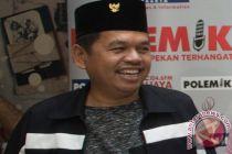 """Tim pemenangan Jokowi-Ma`ruf wilayah Jabar copot \""""banner one way\"""" tak resmi"""
