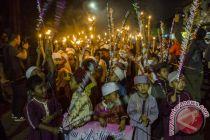 2.000 peserta semarakkan pawai obor HUT RI ke-73