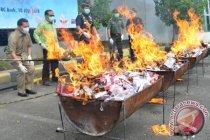Lanal Dumai musnahkan barang ilegal senilai Rp1 miliar