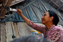 BUMN Hadir - Warga kurang mampu di Sangihe akhirnya nikmati listrik