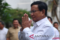Prabowo: Kita songsong proses demokrasi dengan tenang