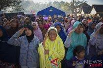 Korban gempa kibarkan merah putih di pengungsian