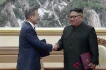 Dua pemimpin Korea tunjukkan semangat persatuan di puncak Gunung Baekdu