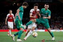 Arsenal kalahkan Vorskla 4-2
