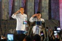 Jokowi-Ma\'ruf tiba di KPU RI tumpangi kendaraan off-road