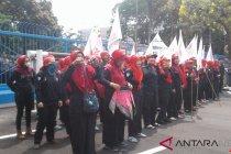 Sejumlah buruh mulai untuk unjuk rasa di Kemnaker