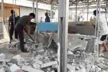 Puluhan kios Pasar Rawa Jabon dibongkar