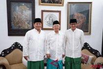 Prabowo-Sandiaga disambut Gus Solah di Pondok Pesantren Tebuireng