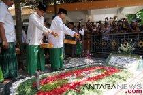 Prabowo-Sandiaga ziarah ke Hasyim Asy\'ari