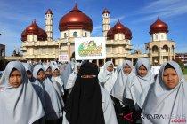 Pemkab Aceh Barat hadiahkan Rp1 juta  tiap santri