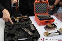 DPR mengundang pihak terkait untuk membahas keberadaan lapangan tembak