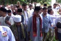 Sandiaga Uno ziarah ke kuburan massal Aceh