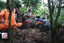 6 Mahasiswa pendaki gunung ditemukan selamat