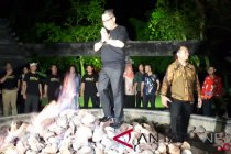 Hasto-Djarot kunjungi api abadi di Khayangan Api
