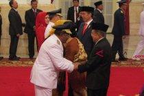 Jokowi lantik Gubernur Riau dan Gubernur Bengkulu