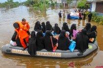Evakuasi Santri Terjebak Banjir