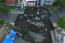 BMKG: amblesnya jalan Gubeng di Surabaya bukan akibat gempa