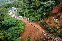 Jalur Padang-Solok terputus akibat longsor di Sitinjau Lauik
