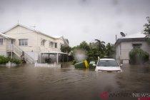 Badai petir sebabkan banjir di Australia
