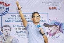 Sandiaga Uno puji pembuat kaos anti-bakteri dari Karawang