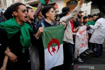 Dua hari jelang pemilu, Aljazair vonis penjara dua mantan PM