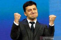 Aneka Ekspresi kemenangan Presiden Ukraina yang pelawak