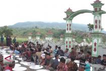 Tradisi sadranan pererat kerukunan antar umat beragama
