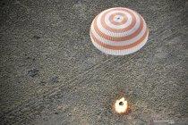 Soyuz MS-11 berhasil mendarat kembali di Bumi
