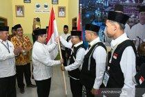 Kakanwil Kemenag Riau lepas 449 JCH Kloter 18 BTH ke Jeddah