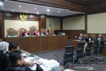 3 pejabat Kementerian PUPR dinilai terbukti terima suap