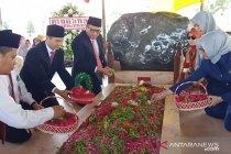 HUT RI, BI Kediri ziarah makam Bung Karno