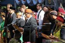 Warga Indonesia kenakan pakaian adat saat upacara HUT RI di Budapest
