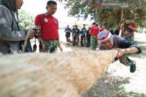 23 peserta SMN Babel lari halang rintang di Lanud Haluoleo