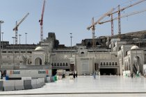 Rahasia lantai Masjidil Haram tetap dingin dari marmer thassos Yunani