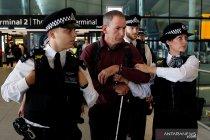 Pria yang ditangkap di Bandara Heathrow didakwa terorisme