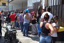 Meksiko paksa mundur seribuan PNS imigrasi korup