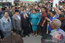 Mantan Gubernur Papua Barat Abraham Atururi wafat