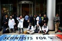 Polisi Inggris perintahkan aksi protes Extinction Rebellion dihentikan