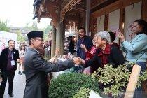 Ratusan warga Pengzhou antusias kota kembar dengan Mataram