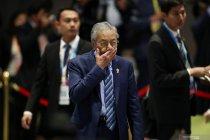 Mahathir Mohamad mundur sebagai Perdana Menteri Malaysia