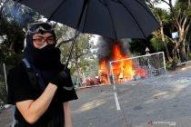 Pengunjuk rasa di kampus Hong Kong  terkepung