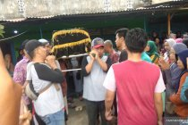 Korban meninggal kecelakaan bus rombongan guru TK di Blitar dimakamkan