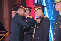Kapolri anugerahkan Bintang Bhayangkara Pratama ke 26 perwira tinggi